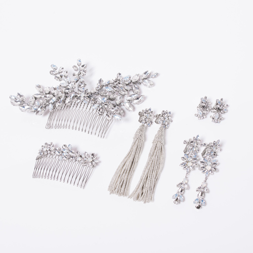 セット使いがオススメです! 左上:AGATA BIG COMB 中央:NICORA EARRINGS and PIERCES 右上:SMALL AGATA EARRINGS 左下:AGATA COMB 右下:AGATA EARRINGS