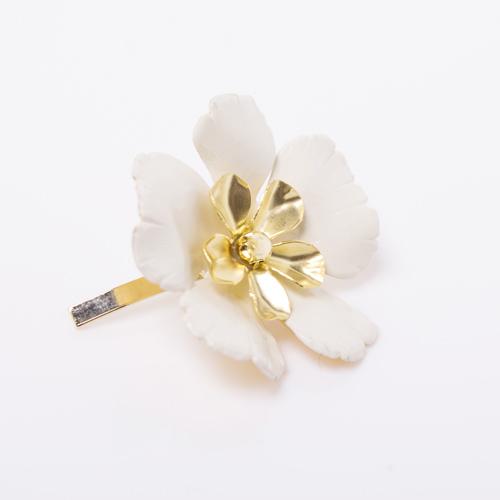 立体感のある華やかなピン