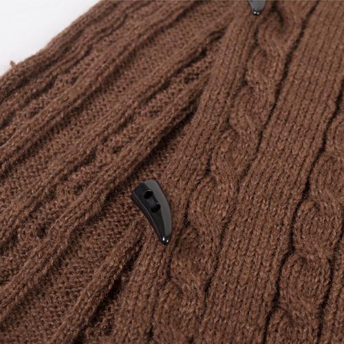 生地はやや厚めですが、ふんわりとした編み方で重みを感じません♪