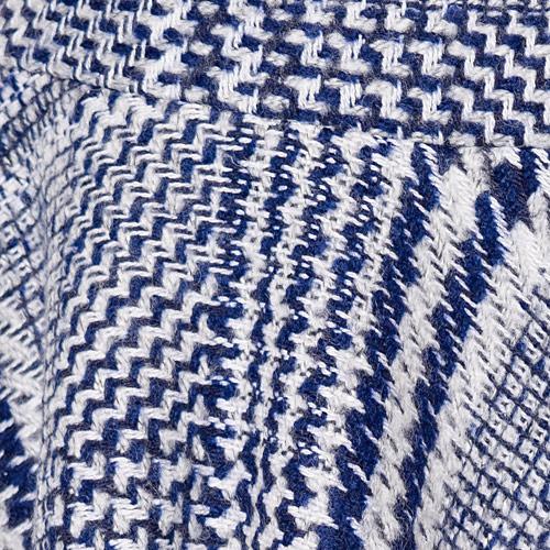 ウール混の暖かみのある素材で、千鳥格子のレトロな柄も魅力です