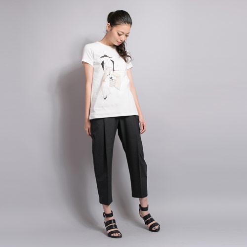 イラストレーター「オカダミカ / micca」描き下ろしの、オリジナルプリントが映えるTシャツ
