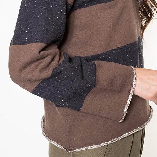 裾のラフなステッチ処理がヌケ感を演出します