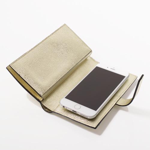 スマートフォンは吸盤で密着させるタイプなので、色々なスマートフォンに対応できます