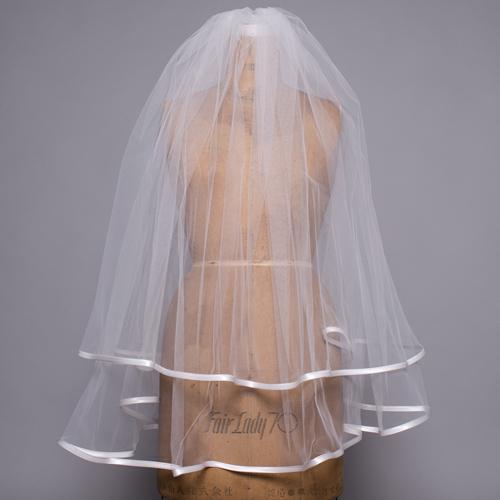 花嫁さん定番アイテムのウェディングベール