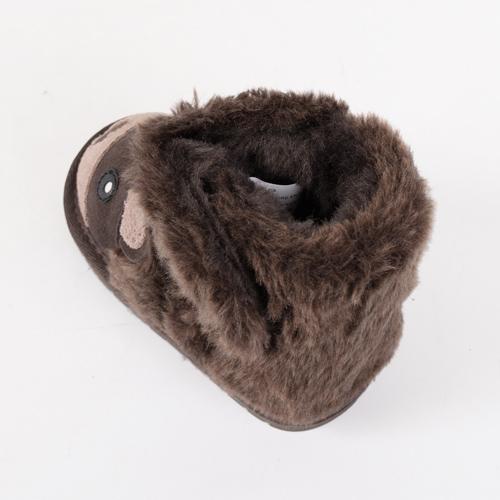 内側には羊毛の中でも最高級とされるオーストラリアメリノのウールを使ったボアをたっぷり使用しています