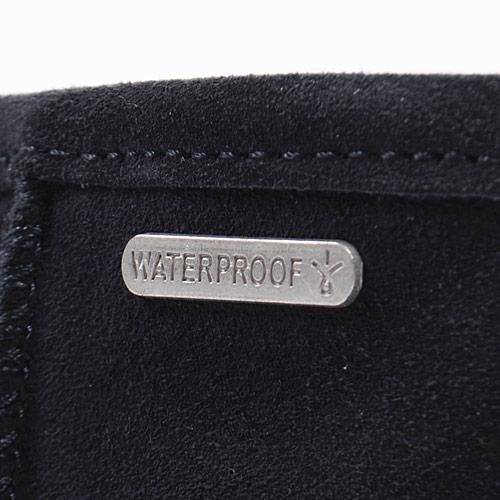 履き口には「WATER PROOF」プレートがついています