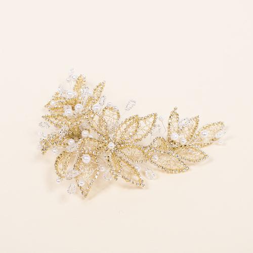 ゴールドストーンにパールを掛け合わせた華やかなヘッドドレス