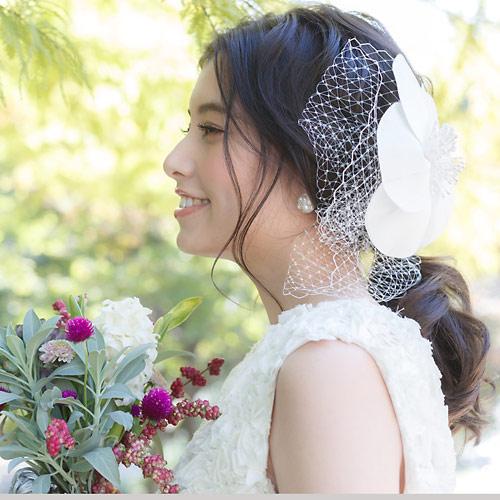 桜の花が満開に咲いた姿をイメージした大ぶりなヘッドドレス