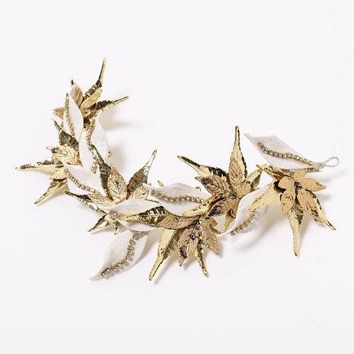 ヴィンテージ感のあるゴールドのメイプルリーフをゴージャスに配したヘッドドレス