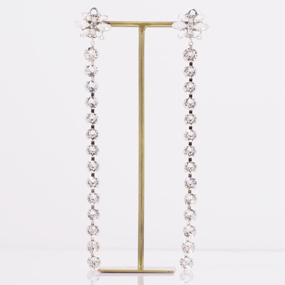 スワロフスキーのダイヤレーンが美しいイヤリング
