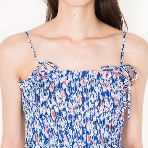 肩紐は結ぶタイプで好きな位置でのアレンジも◎