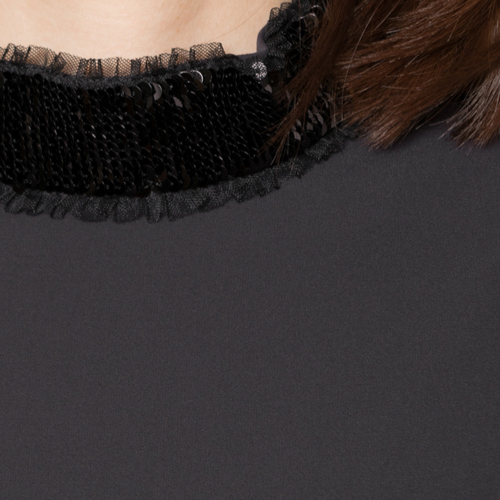 ストレッチスパンコール刺繍は、チュールとドッキングすることでより華やかになり、アクセ要らずです♪